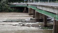 수초섬 잡으려다…의암댐서 선박 3대 전복, 경찰 등 7명 실종(2보)