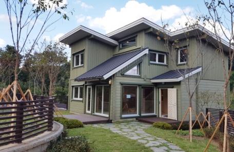 (헤경홈피만) 국내 최대 로그하우스 단지 '남판교 더 숲 빌리지' 분양