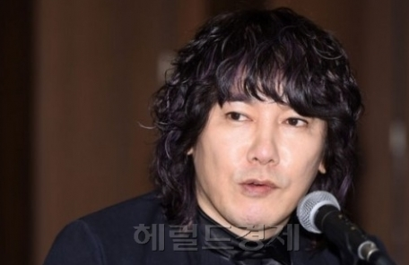 """'노무현 추모제서 욕설' 김장훈 """"반성하고 자숙하겠다"""""""