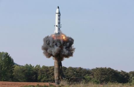 """G7 공동성명 """"北, 핵프로그램 포기 안 하면 더 죈다"""""""
