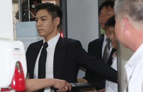 檢, '대마초 흡연' 빅뱅 탑에 징역 10월·집행유예 2년 구형…내달 선고