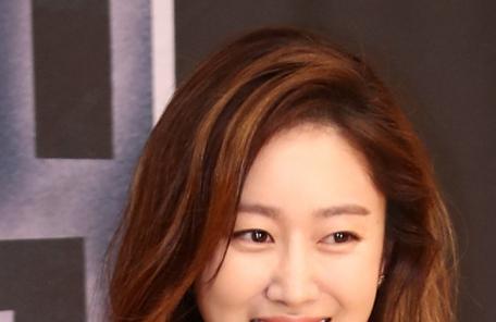 """배우 전혜빈의 도전…""""사진 기자 활약 기대하세요"""""""