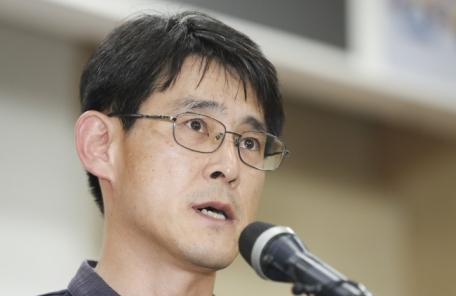 """""""명 짧은 놈"""" 김학철 SNS글에 경찰 출동 '소동'"""