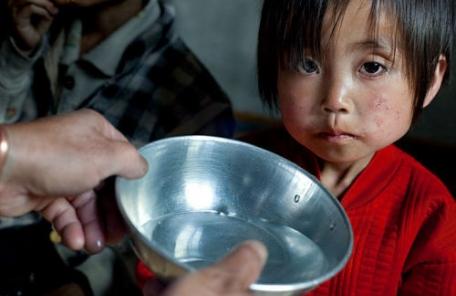 """유엔 """"北, 최근 일일 식량 배급 300g으로 줄여"""""""