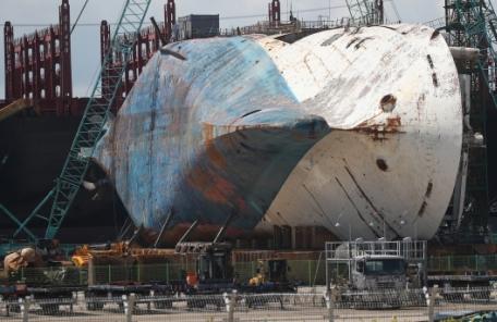 세월호 수중수색 이틀째…침몰지점 해저면서 사람뼈 1점 발견