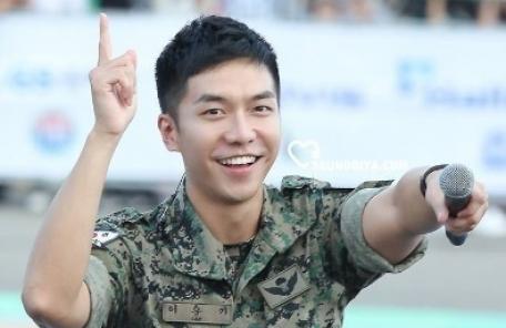 이승기 팬클럽, 특전사 부대에 푹 카페 기증 '훈훈'…10월31일 전역