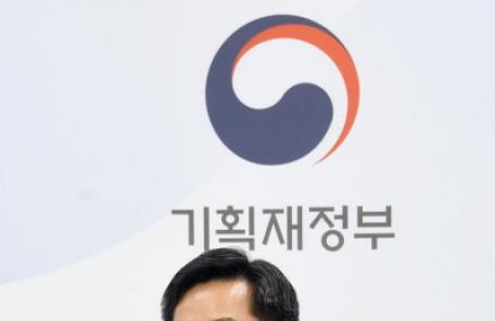 """""""재정역할 확대, 지출 증가율 7% 쉽지 않아""""…김동연, 국회 예결특위 답변"""