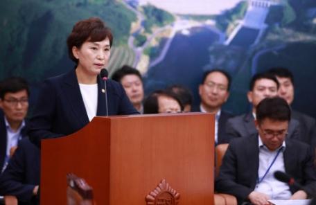 """김현미 국토장관 """"SOC 예산 줄어도 미집행분 쓰면 문제 없어"""""""