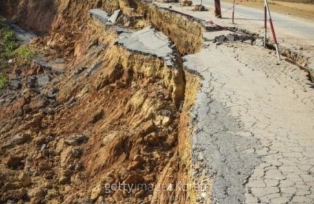 민주콩고서 홍수로 12명 사망·92명 실종…주택 100여택 물에 잠겨