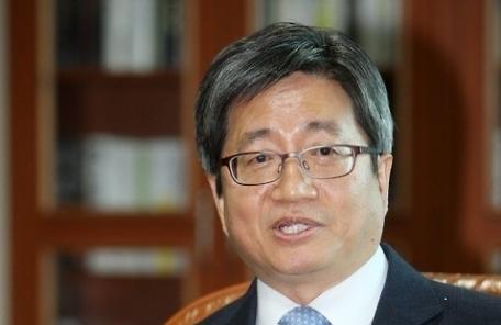"""'임명동의안 통과' 김명수, """"중책 무거움 느껴…사법부 어려움 극복할 것"""""""