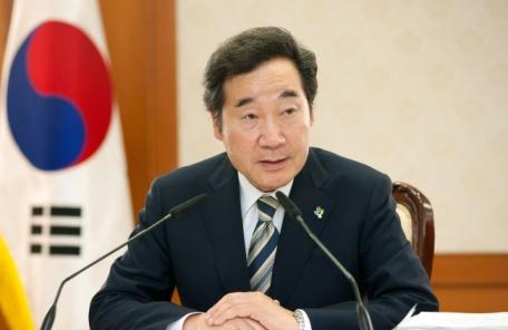 """이낙연 총리 """"일왕 한국 방문해 관계 물꼬 터주길"""""""