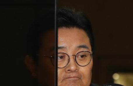 차기 靑정무수석, 외부 선발 보다 몸풀린 '구원투수'무게