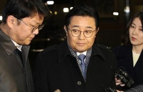 검찰, '롯데홈쇼핑 뇌물수수 혐의' 전병헌 구속영장 청구