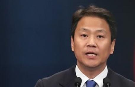 """靑 """"임종석 중동 방문, MB 의혹 관련 아냐"""""""