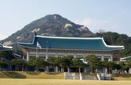 '블라인드 채용' 효과?…靑 신규 임기제공무원 전원 여성
