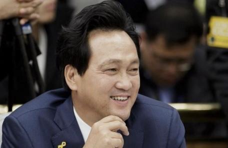 """안민석 """"자유한국당 김성태, 박쥐 아니라 불사조"""""""