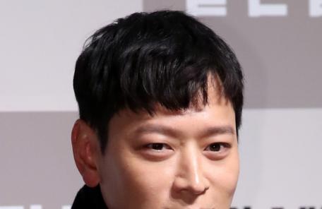 """택배기사 변신 강동원 """"처음부터 끝까지 뛰고 또 뛰었다"""""""