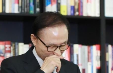 """MB """"盧죽음 정치보복…처음부터 내가 목표"""""""