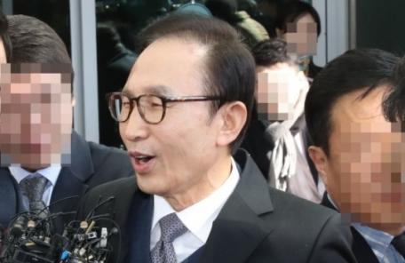 """""""이명박, 盧대통령 덕에 청계천 복원…덩실덩실 춤도 췄다"""""""