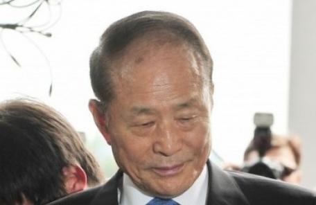 檢, 'MB 친형' 이상득 전 의원 압수수색…국정원 특활비 수사 가속도