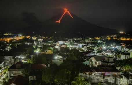 필리핀 마욘화산 '폭발'임박…주민 수만 명 추가 대피령