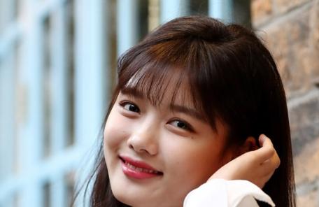 김유정 벌써 성인…2년만에 드라마 복귀  취준생 변신