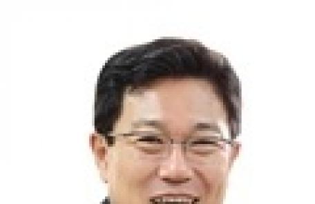"""윤상직 """"소득 주도성장론, 기업은 울고 있다"""""""