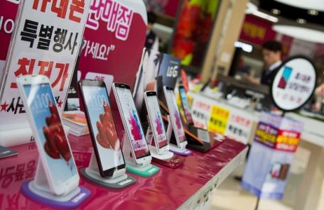 방통위, '갤S8 대란' 이통3사에 과징금 506억원