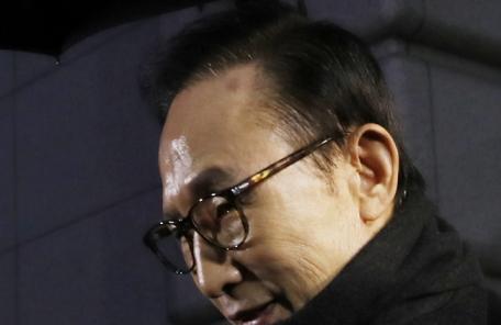 '차고 넘치는 MB혐의' ..'뇌물·직권남용·선거법·대통령기록물법 등'