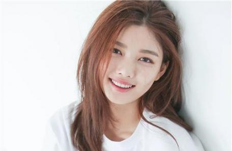 김유정, 갑상샘기능 이상…연기활동 '빨간불'
