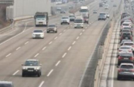 서천고속도로 일부 구간 통제, 산사태로 토사 '와르르'