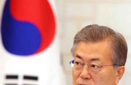 [개헌안 공개]역사적 사건 강조한 文정부 헌법 전문…해외는 '보편적 가치' 추구