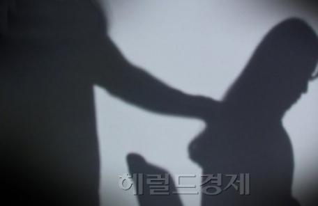 """이번엔 고교서 '미투'…""""예체능 교사가 여학생들 성추행"""""""