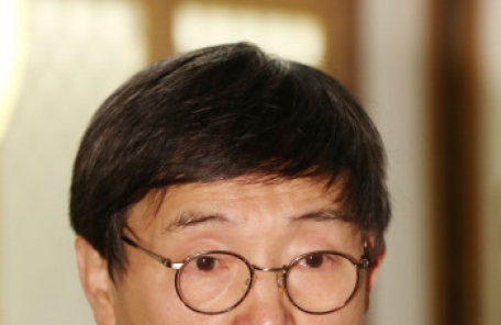 김사인 교수, 한국문학번역원 원장 취임<YONHAP NO-3599>