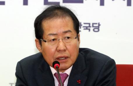 후보는 없고 말만 많은 한국당