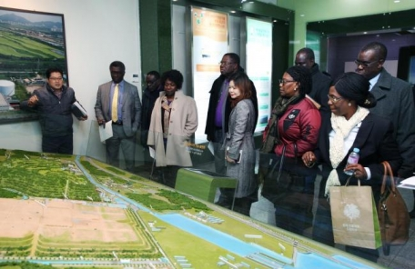 가나 환경부 장관, 수도권매립지관리공사 방문