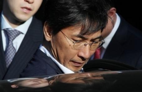 안희정, 판·검사 출신 거물급 변호인단 꾸려