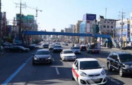 30m 앞 육교에도 9차로 무단횡단, 광주 쌍촌동 교통사고의 전말