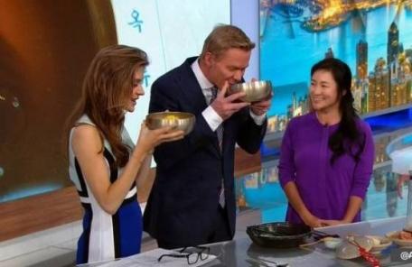 (직접배포)이지연, CNN 생방송 출격…평양 옥류관 냉면 만들어