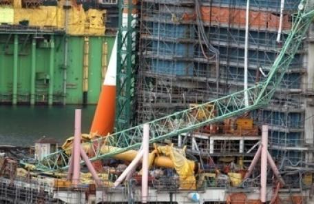 트라우마 겪는 삼성중공업 크레인 사고 목격자 7명 산재 인정