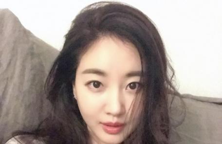 """김사랑 한달째 입원중…""""거동 불편"""""""