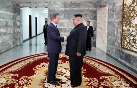 문대통령, 오늘(26일) 김정은과 정상회담…내일 발표