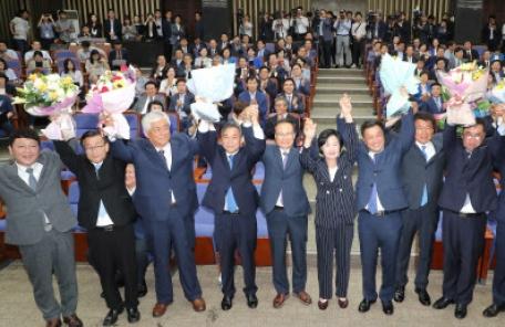 [속보] 더불어민주당, 전당대회 8월25일 개최