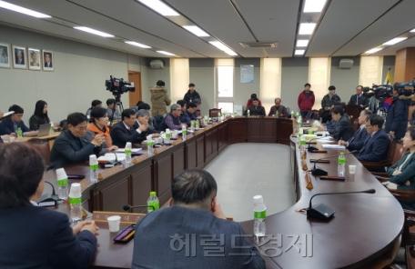 """최임委 공익위원들 """"근로자위원 조속한 참여 재 촉구"""""""