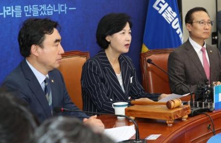 """추미애, 최저임금 불만에 """"대기업 대신 정부에 고통 호소하는 것"""""""