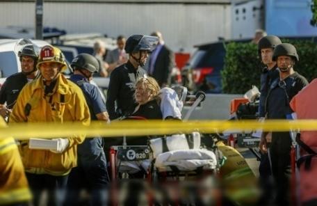 할머니 쏘고 경찰과 대치…LA 인질범 3시간 만에 자수