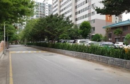 영등포구, 아파트 담 허물고 숲길로 새단장