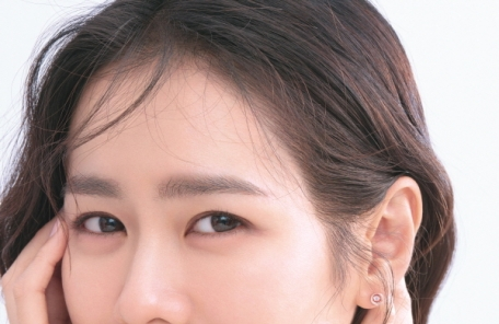 신제품 출시하는 18K목걸이 가네시, 새 뮤즈 손예진 화보찰영 진행