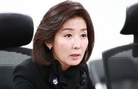 """나경원, """"안희정 성관계 후 김지은이 저녁 예약, 대등한 지위 아닌데…"""""""