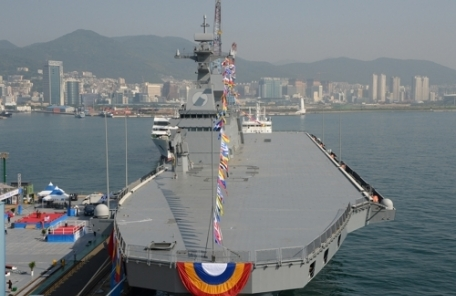 """""""우리도 항공모함 보유국?""""…해군, 마라도함에 'F-35B' 탑재 검토"""